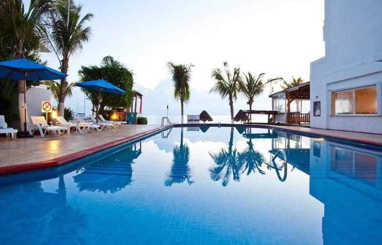Holiday Inn Cancun Arenas - Pool - 24