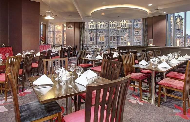 Clayton Cardiff - Restaurant - 82