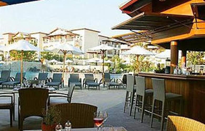 Aphrodite Hills Resort - Bar - 2