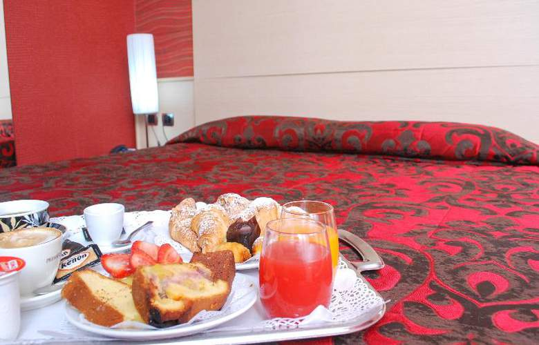 Hotel Premiere - Room - 6