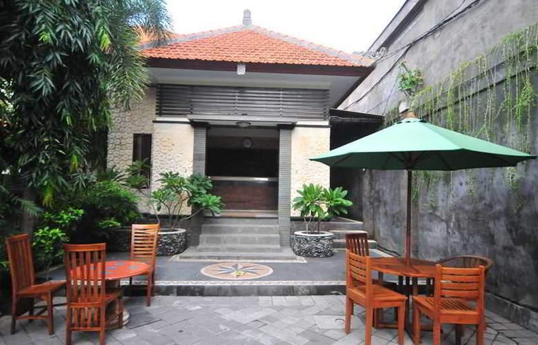 Sandat Legian Hotel - Restaurant - 3
