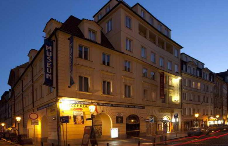 Melantrich - Hotel - 0