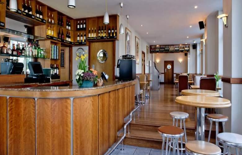 The Tavistock - Bar - 11