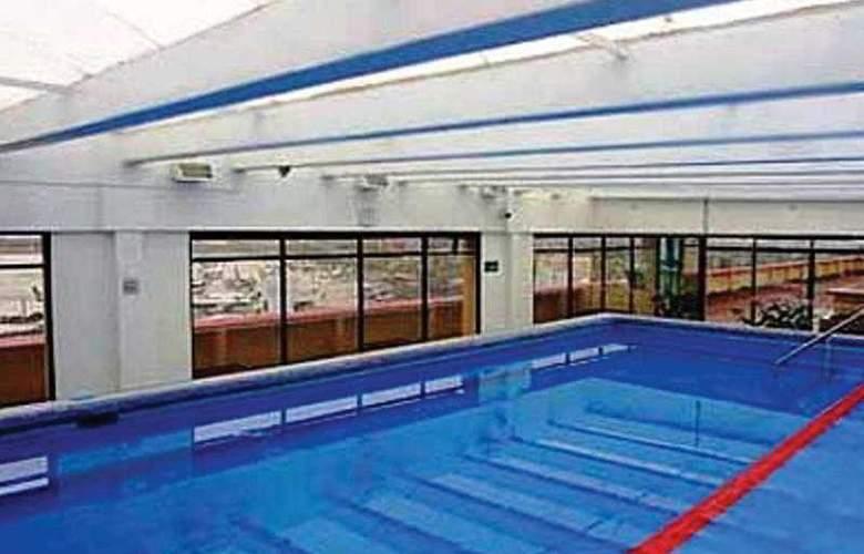 Camino Real Aeropuerto - Pool - 3