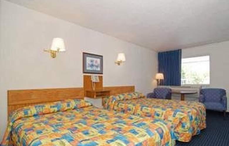 Rodeway Inn - Room - 3
