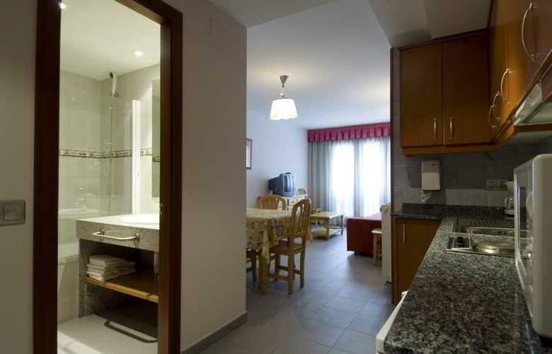 Aparthotel Roc del Castell - Room - 3