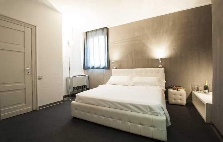 The Richmond - Room - 2