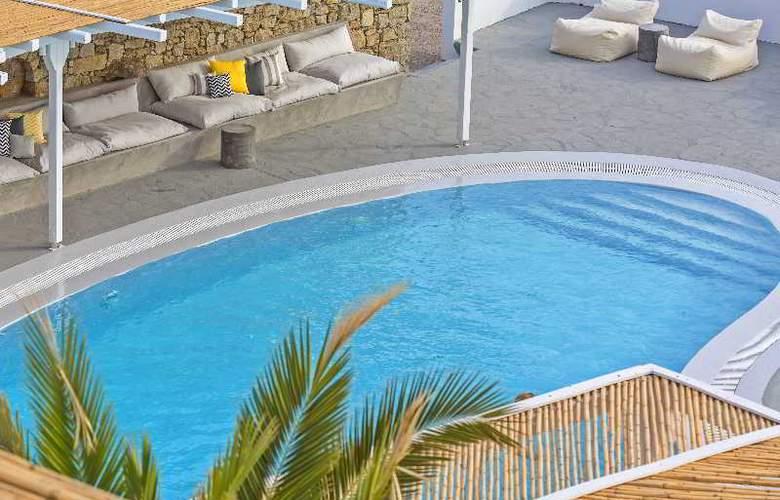Boheme - Pool - 11