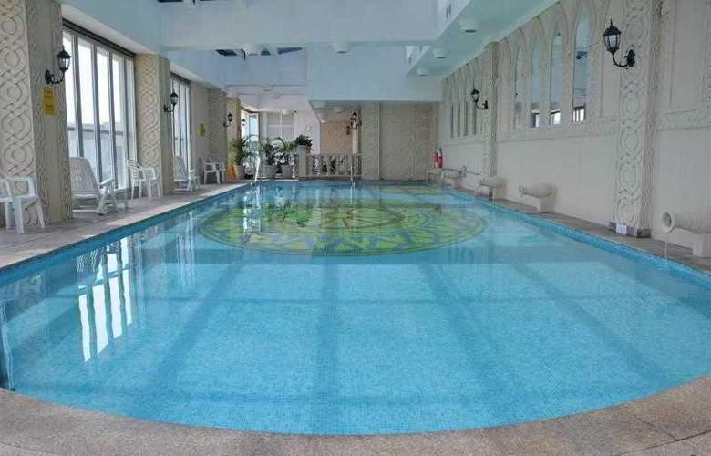 Rio Hotel & Casino - Pool - 10