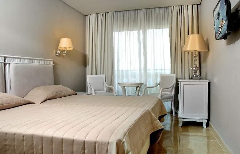 Palace Mon Repos - Room - 4