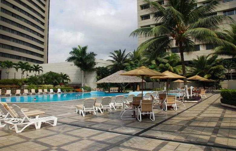 Hilton Colon Guayaquil - Pool - 4