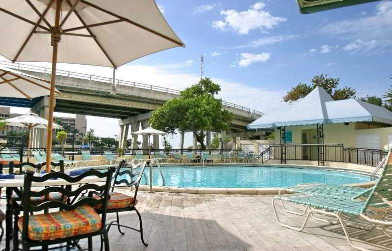 Waterstone Resort and Marina, a DoubleTree Hotel (ex Boca Raton Bridge Hotel) - Pool - 2