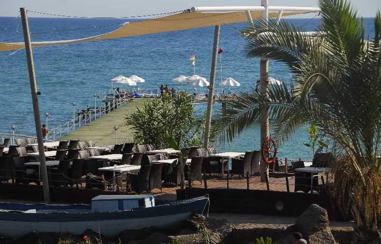 Long Beach Resort - Terrace - 8