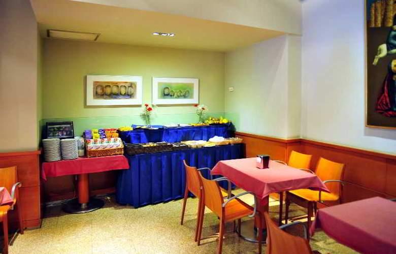 Zenit Dos Infantas - Restaurant - 4
