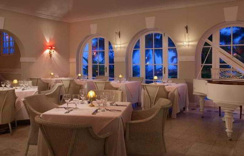 Couples Sans Souci All Inclusive - Restaurant - 25