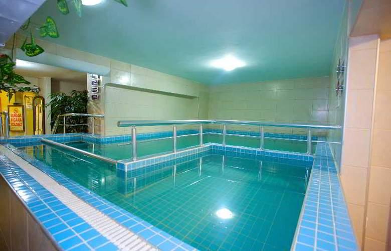 Istanbul Assos - Pool - 12