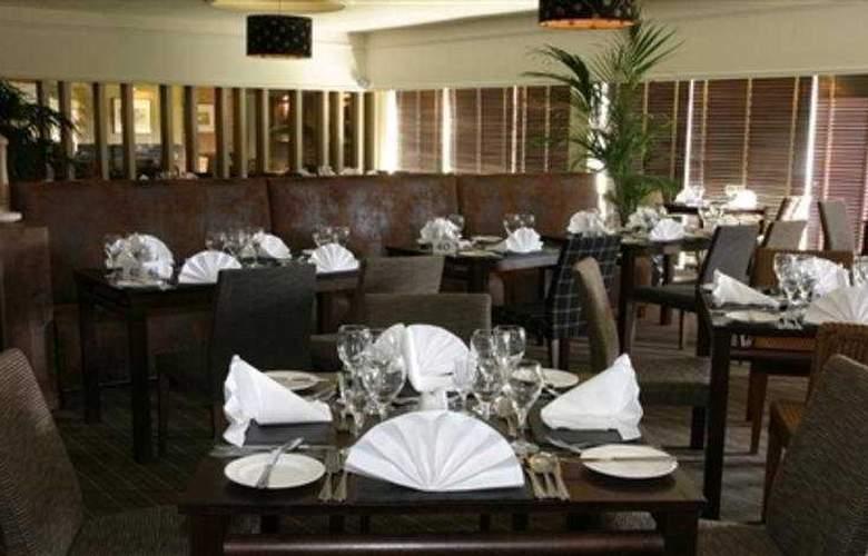 Crerar Eight Acres Hotel - Restaurant - 4