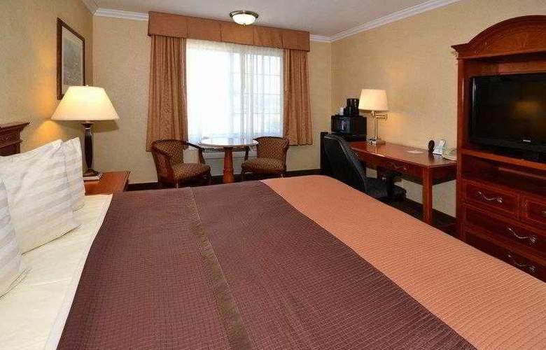 Best Western Airpark Hotel - Hotel - 12