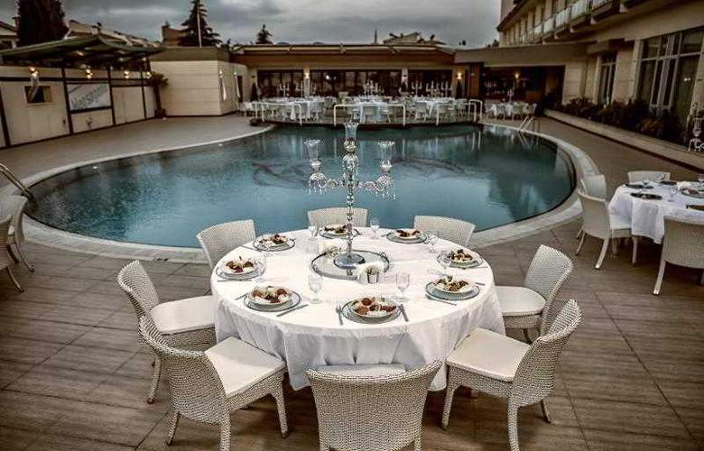 Hegsagone Marine Asia Hotel - Pool - 2