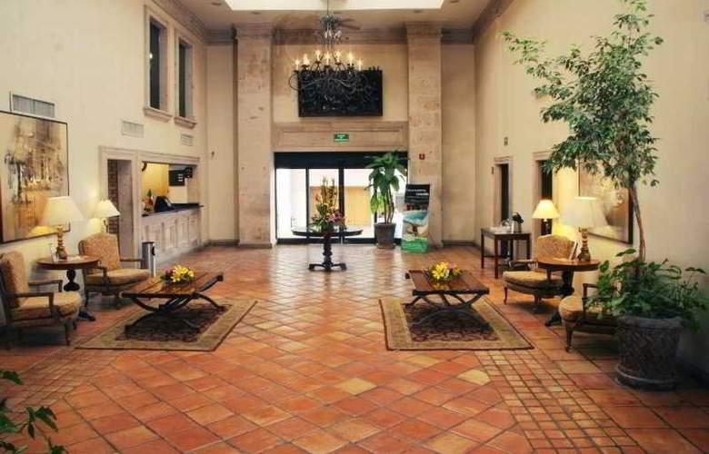 Quality Inn Suites Saltillo Eurotel - General - 2