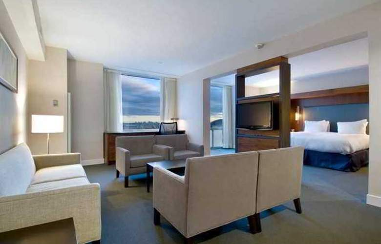 Hilton Toronto Airport Hotel & Suit - Hotel - 10