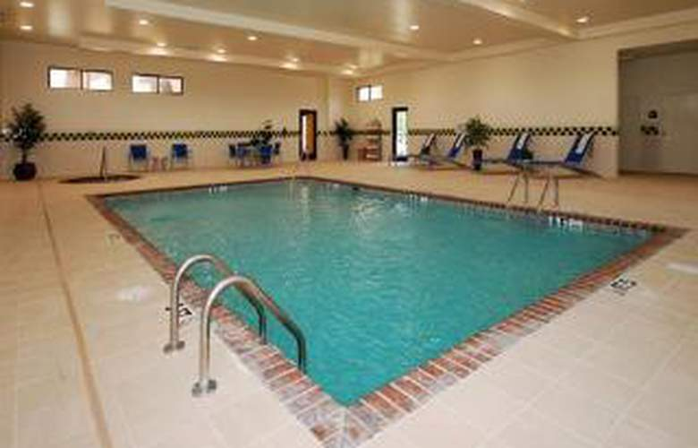Comfort Suites Southwind - Pool - 5