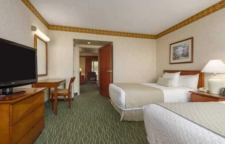 Embassy Suites Tampa - USF/Near Busch Gardens - Hotel - 1
