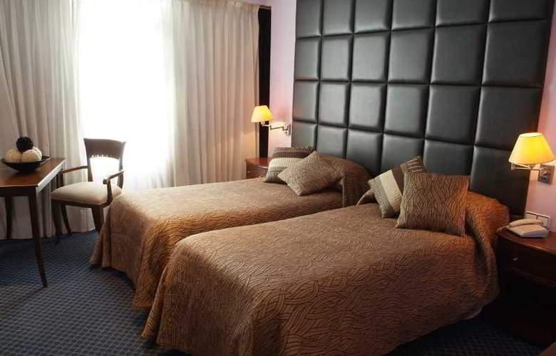 Benetusser - Room - 8