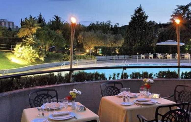 NH Villa Carpegna - Terrace - 7