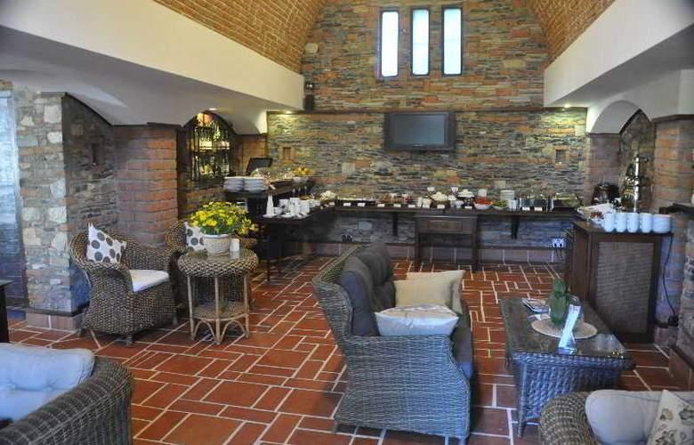 Elvino Hotel - Restaurant - 17