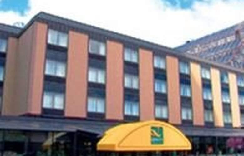 Quality Hotel & Suites Niagara Falls - Hotel - 0
