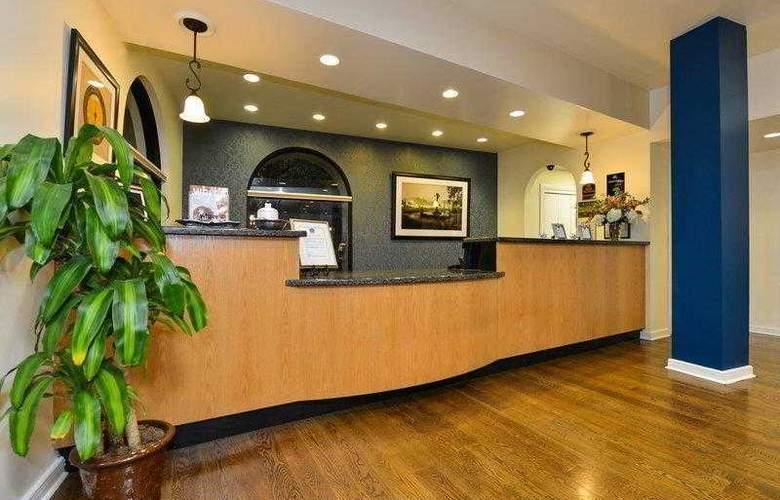 Best Western Plus St. Charles Inn - Hotel - 18
