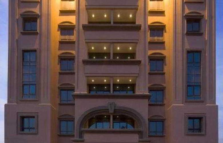 Golden Tulip Al Barsha - Hotel - 0