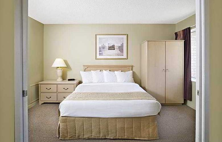 Sandalwood Suites Toronto Airport - Room - 6