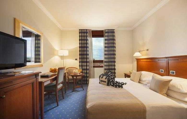Best Western Premier Astoria - Hotel - 26