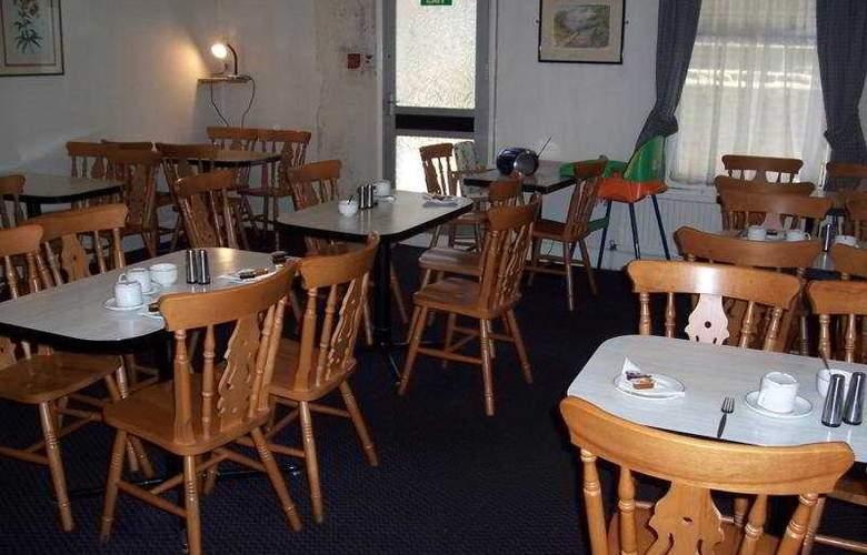 Queens - Restaurant - 7