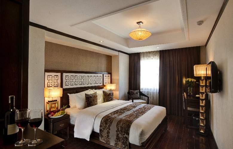 Golden Lotus Luxury Hotel - Room - 6