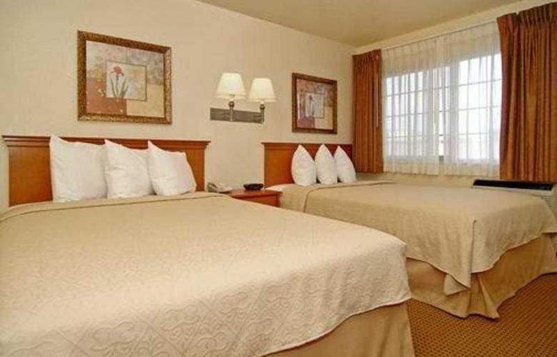 Quality Inn & Suites (Oceanside) - Room - 1