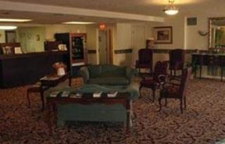 Econo Lodge Inn & Suites - General - 3
