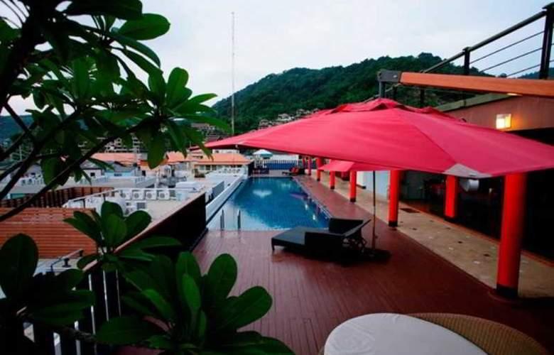 7 Q Hotel - Pool - 7
