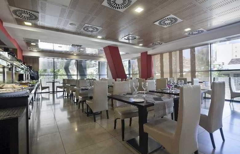Best 4 Barcelona - Restaurant - 48
