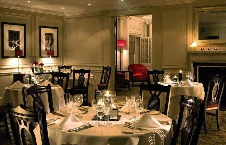 De Vere Gorse Hill - Restaurant - 7