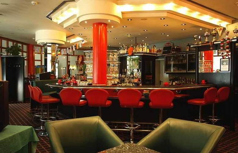 Ramada Hotel Stuttgart-Herrenberg - Bar - 1