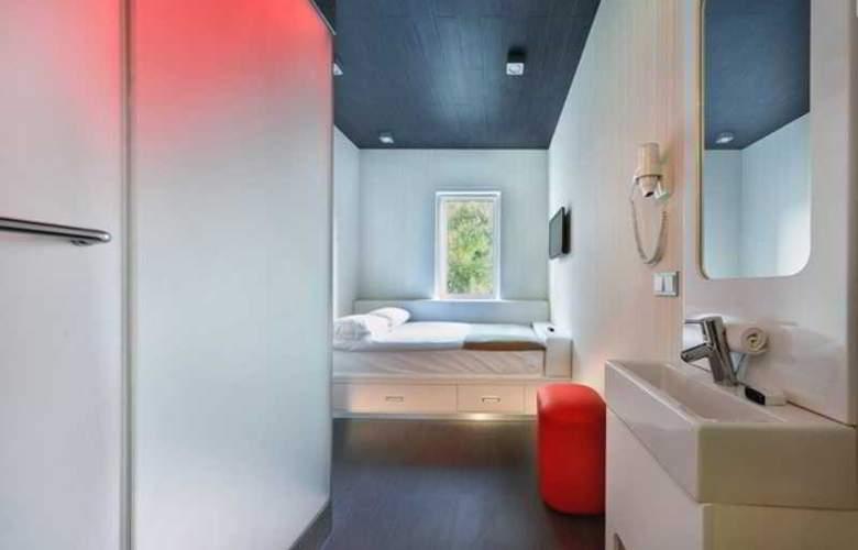 Iq Hotel - Room - 5