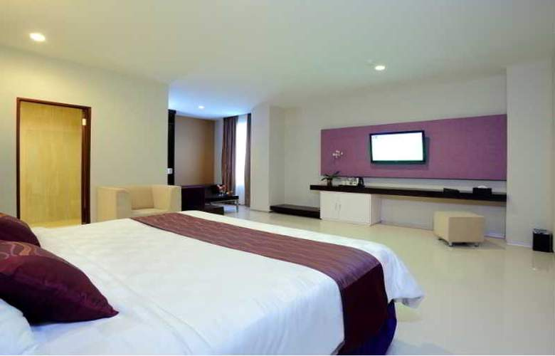 Lombok Plaza Hotel and Convention - Room - 5