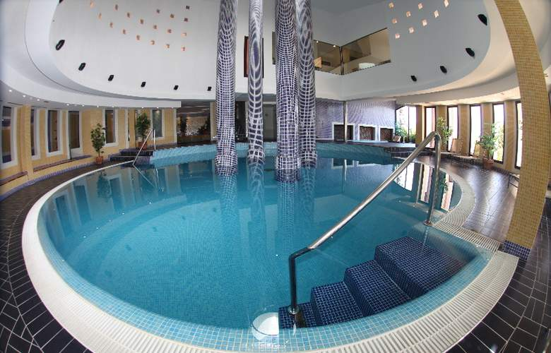 Sentido Pula Suites Boutique Resort - Pool - 18