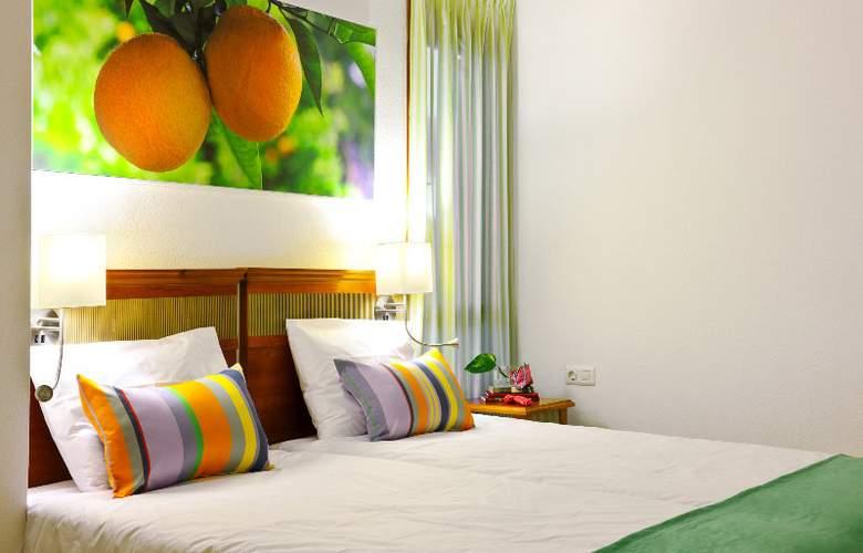 Apartamentos Compostela Beach - Room - 8