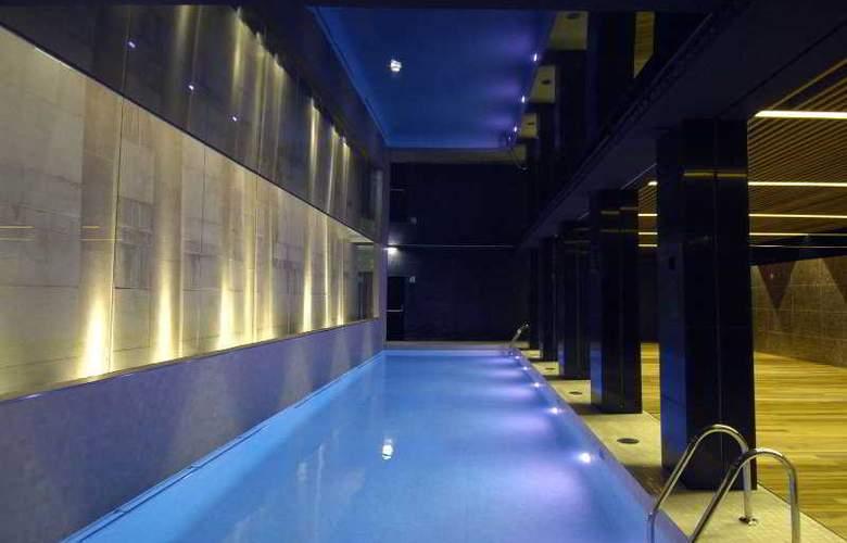 Alfonso - Pool - 9