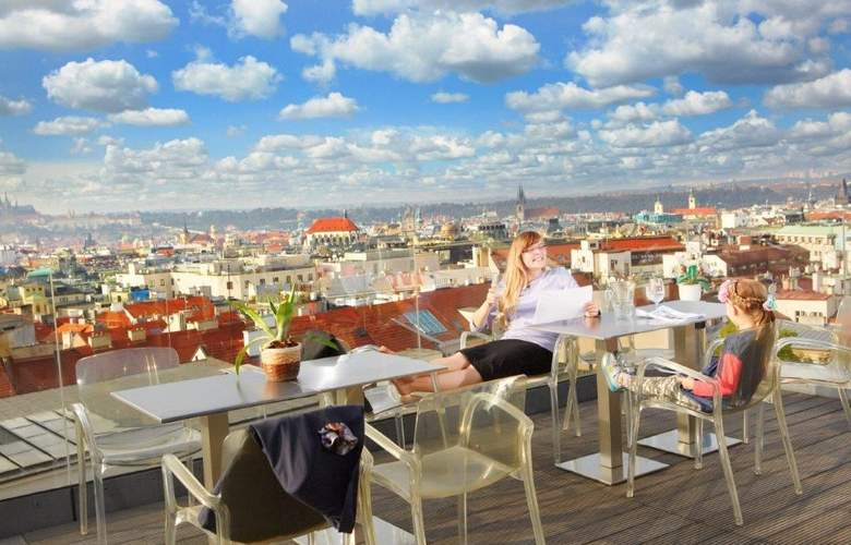 Wenceslas Square Hotel - Terrace - 2