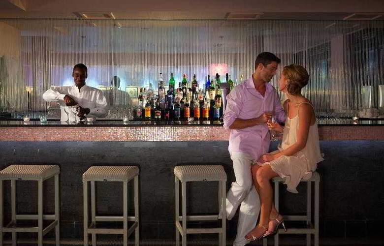 Couples Tower Isle All Inclusive - Bar - 24
